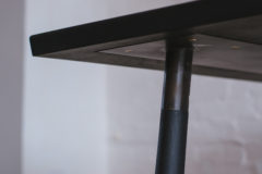 SPLAY LEG TABLE DETAIL