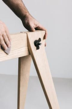SAWHORSE TABLE LEG
