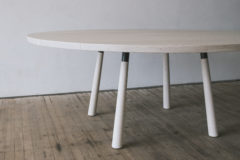 ROUND SPLAY LEG DINING TABLE